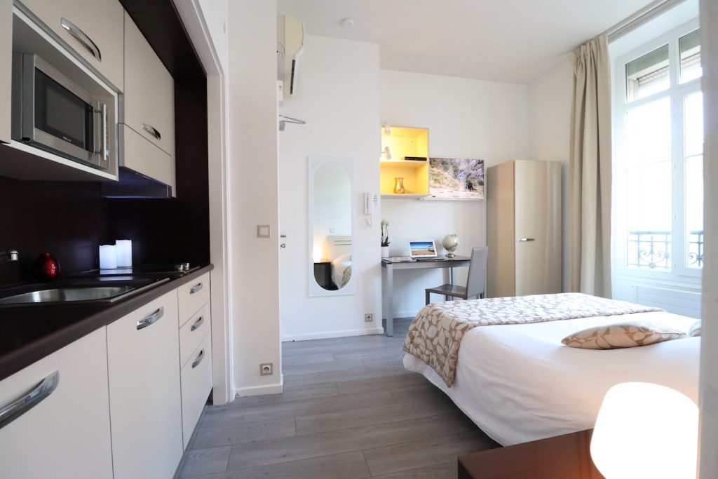 Studio aparthotel nice lamartine residence for Agencer un studio